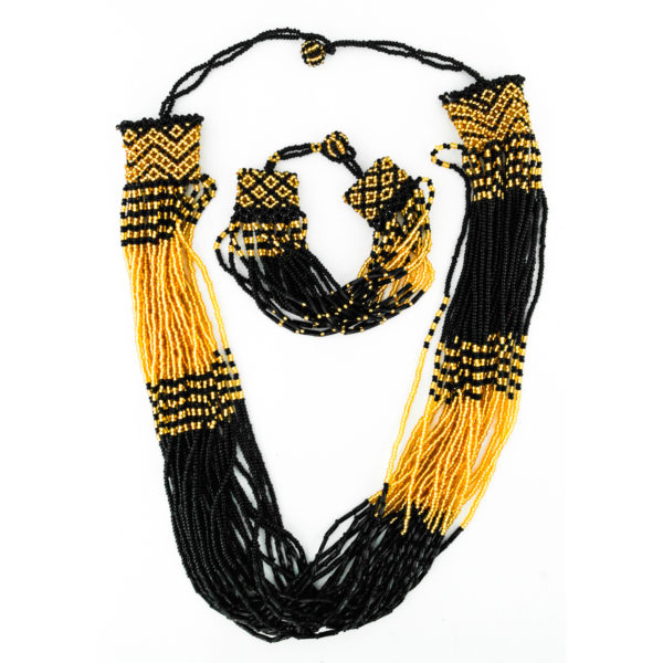 Beaded necklace set with bracelet and earrings - black