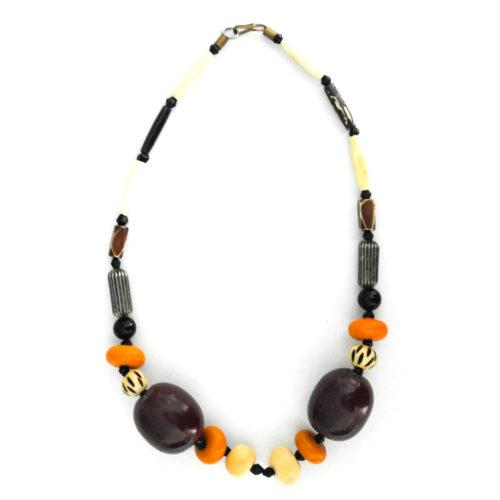 Multibeaded necklace