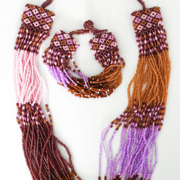Beaded necklace and bracelet set - pink