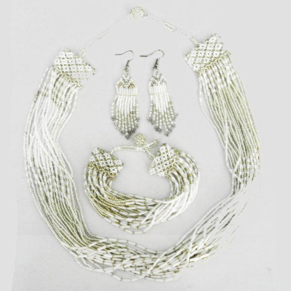 Beaded necklace set with bracelet and earrings - white